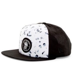 🎧 Volcom Club Destroy snapback hat